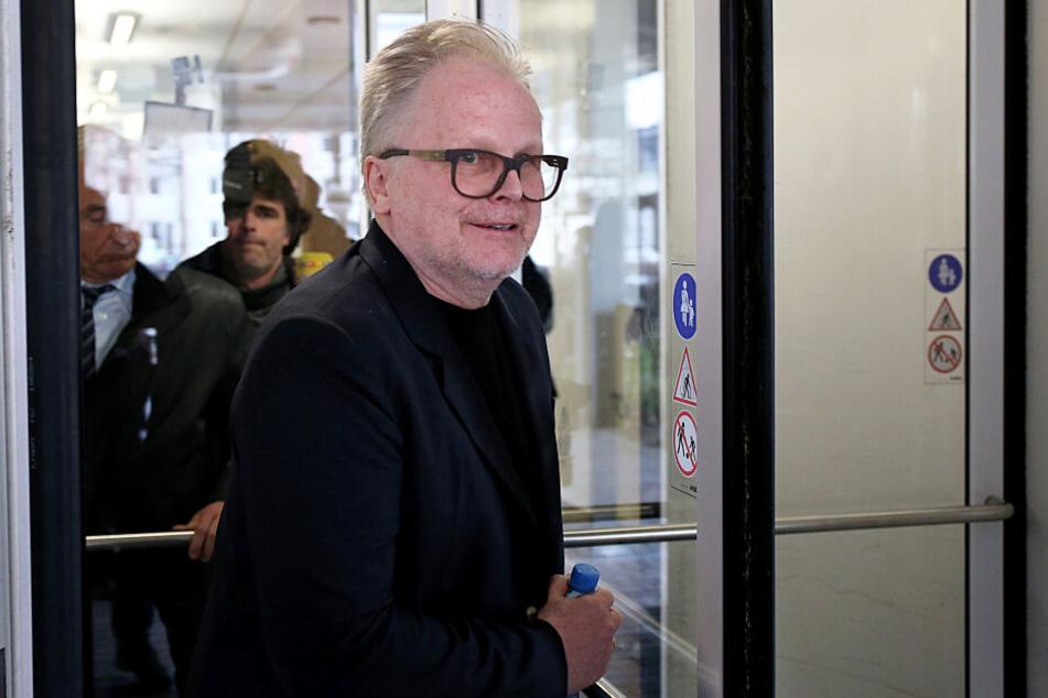 Herbert Grönemeyer (62) bei einem vorherigen Termin auf dem Weg als Zeuge ins Kölner Landgericht.
