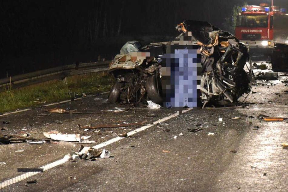 Horrorcrash: Drei Tote nach missglücktem Überholmanöver TAG24