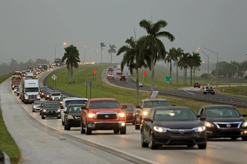 """Die Menschen in Florida versuchen ins Landesinnere zu flüchten. In den kommenden Tagen soll auch hier Hurrikan """"Irma"""" auftreten."""