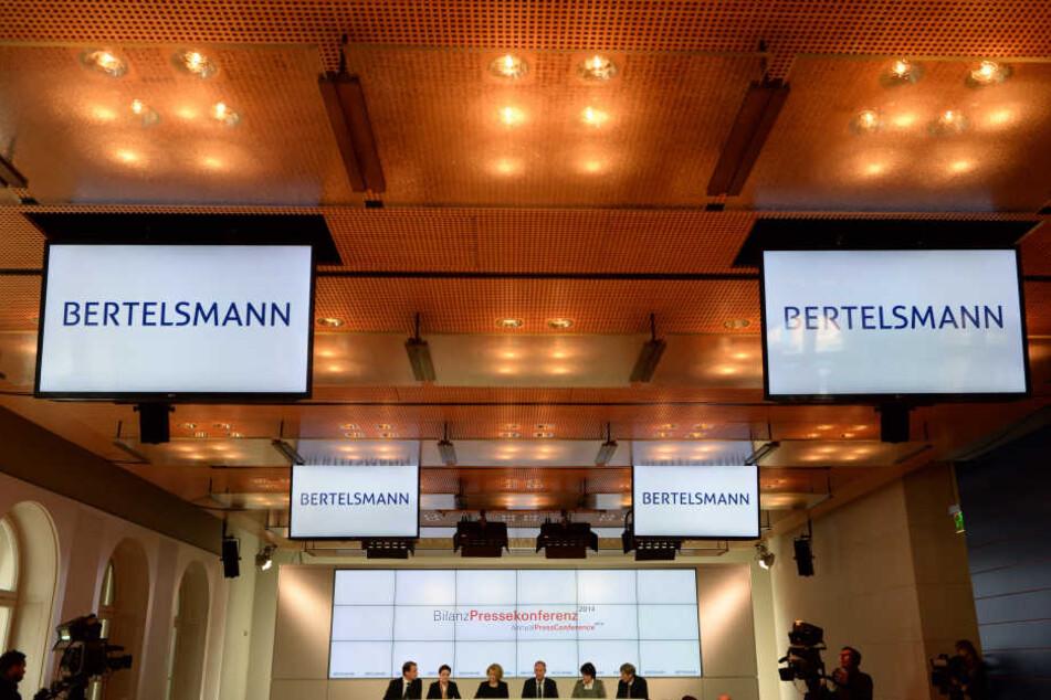 Die Bertelsmann-Tochter Arvato kümmert sich unter anderem um die Löschung von illegalen Hass-Postings und Gewaltfotos für Firmen auf Facebook. (Symbolbild)