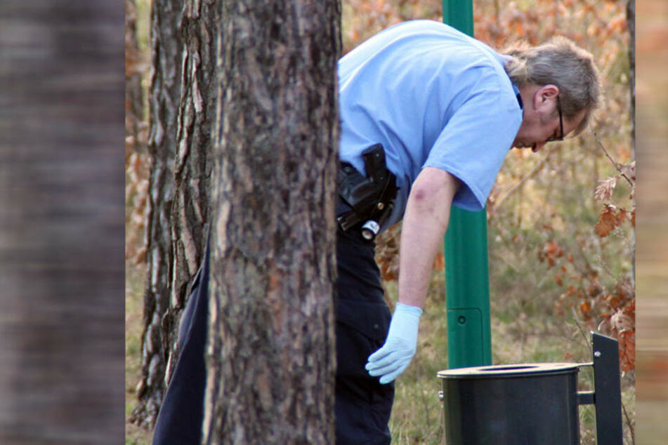 Die Beamten entdeckten die fehlende Hand in einem öffentlichen Mülleimer. (Symbolbild)