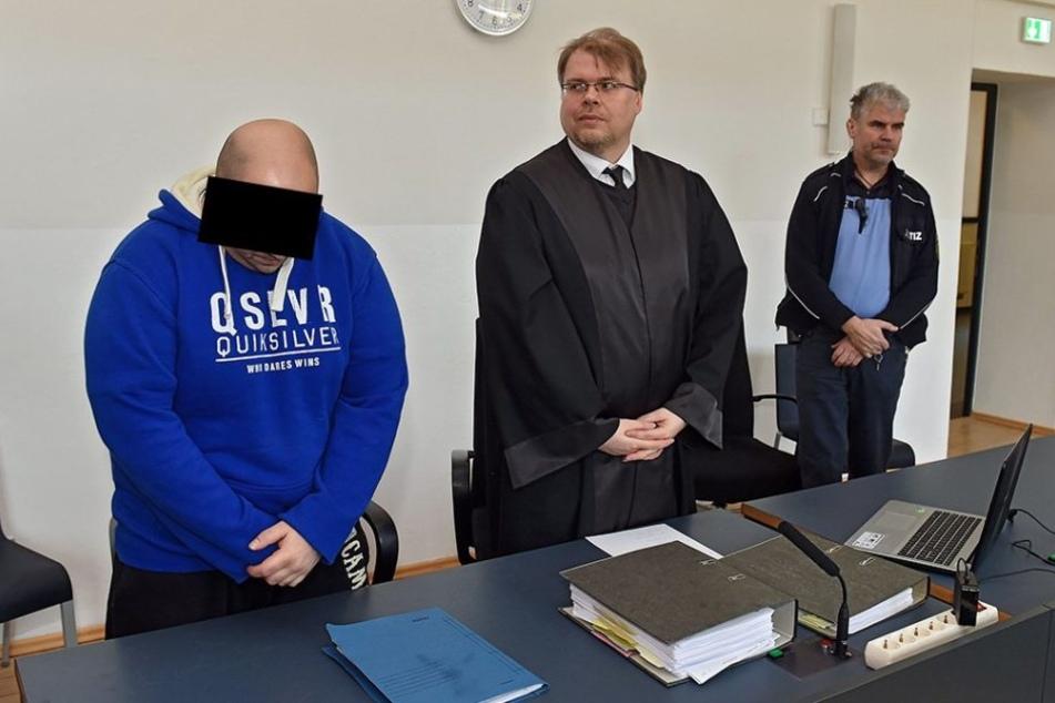Hitler-Fan. Sven P. muss sechs Jahre und zehn Monate hinter Gitter