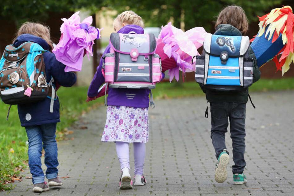 Rund 5500 Kinder starten am Montag in die Schule in Leipzig. (Symbolbild)