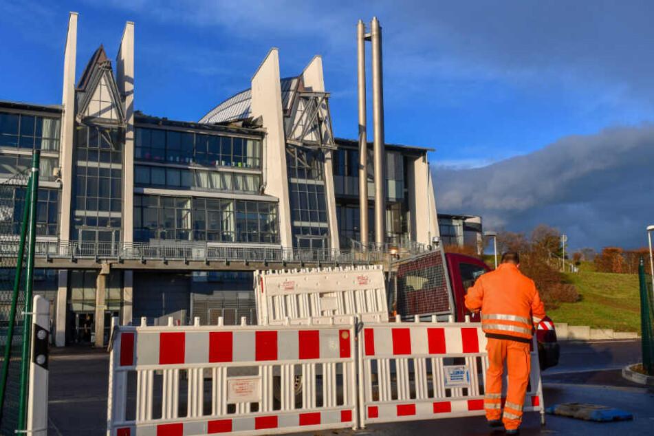 Das Musical über Michael Jackson kann am Montagabend nicht aufgeführt werden. Das Dach der Getec-Arena in Magdeburg ist nach dem Sturm undicht.