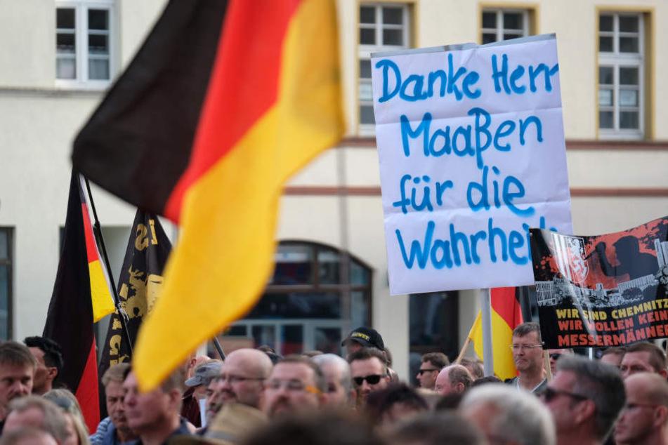 """Demo-Sonntag in Köthen: 1400 Menschen wettern gegen Merkel und """"Volksverräter"""""""