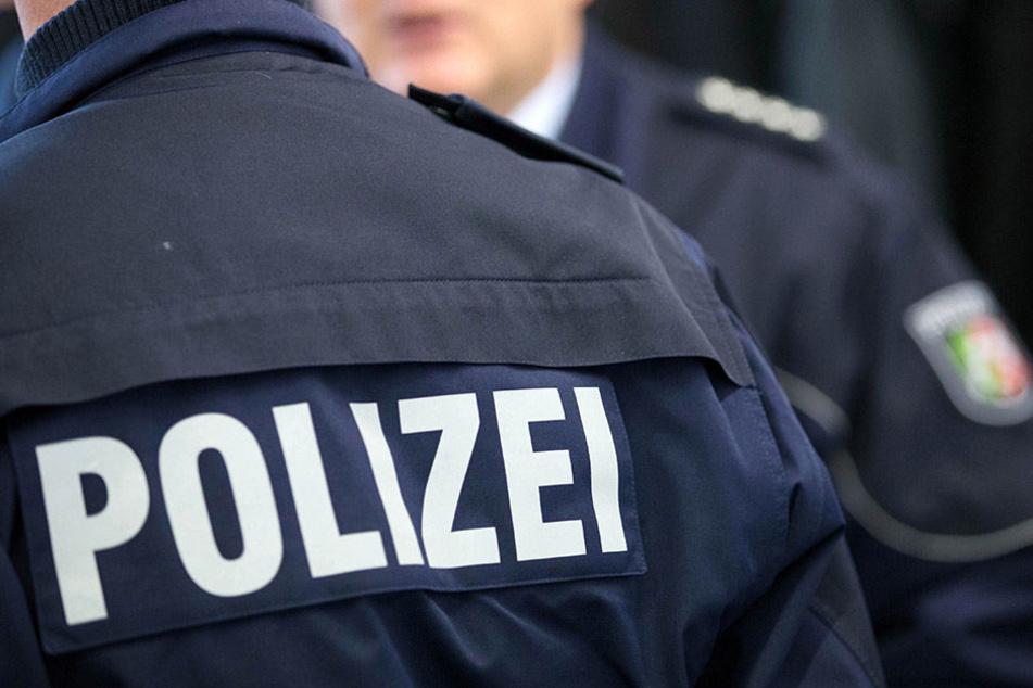 Der Mann konnte sich ins Leipziger Polizeirevier retten.