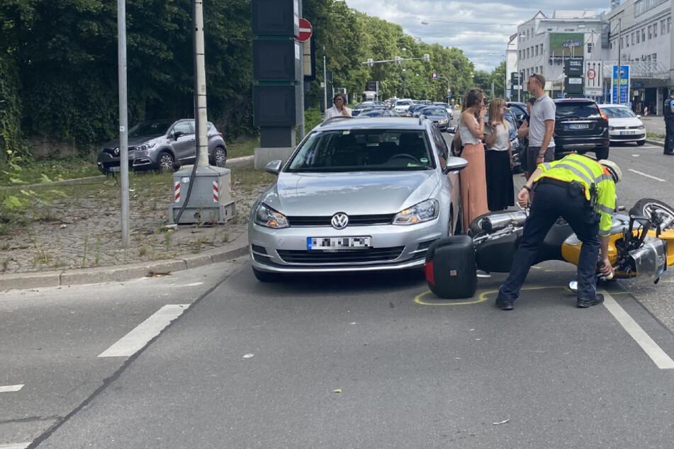Massencrash an Kreuzung: Vier Verletzte, Biker schwebt in Lebensgefahr