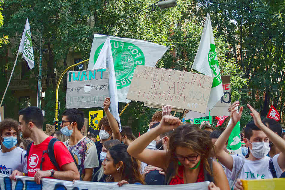 Fridays for Future Milan demonstrated on October 1 at the Youth4climate conference.