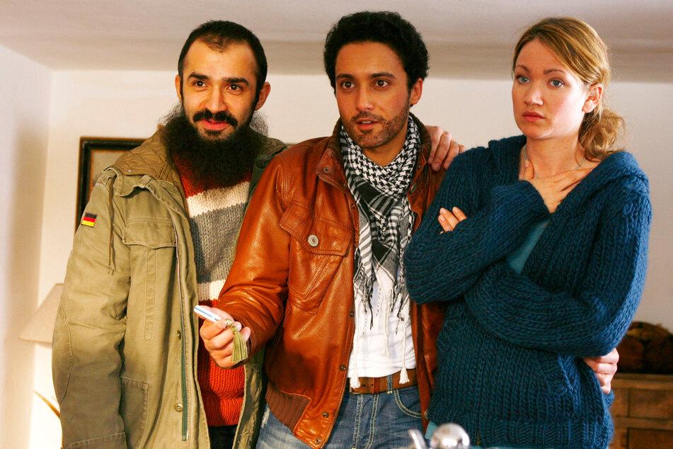 """Im ZDF ist Lisa Marie Potthoff (42) am 24. Dezember zu sehen - hier mit Omar El-Saeidi (Mitte) und David A. Hamade in """"Zimtstern und Halbmond""""."""