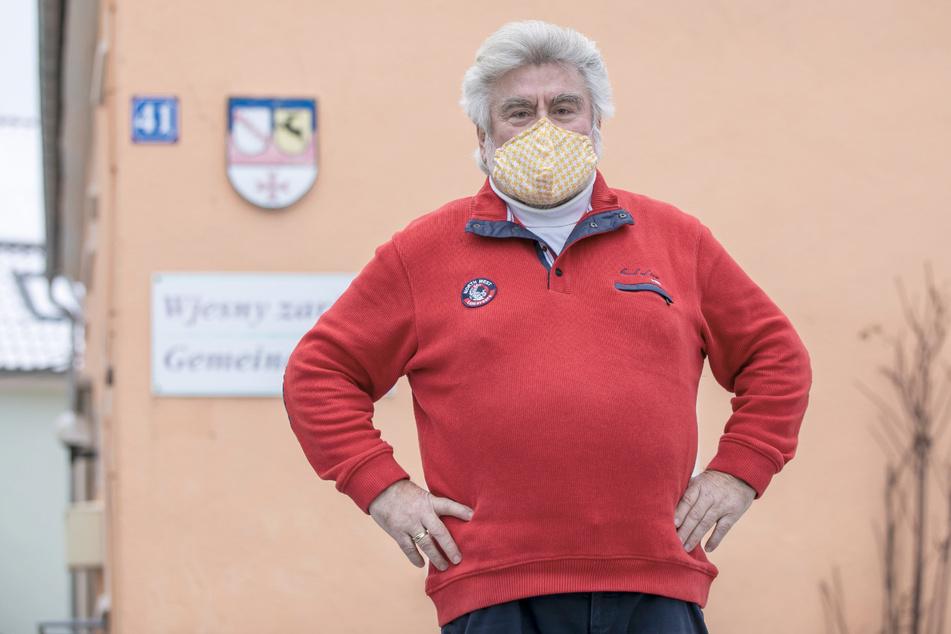 Hat angekündigt, sich testen zu lassen: Auch Bürgermeister Franz Brußk (67, CDU) wird heute in die Sporthalle gehen.