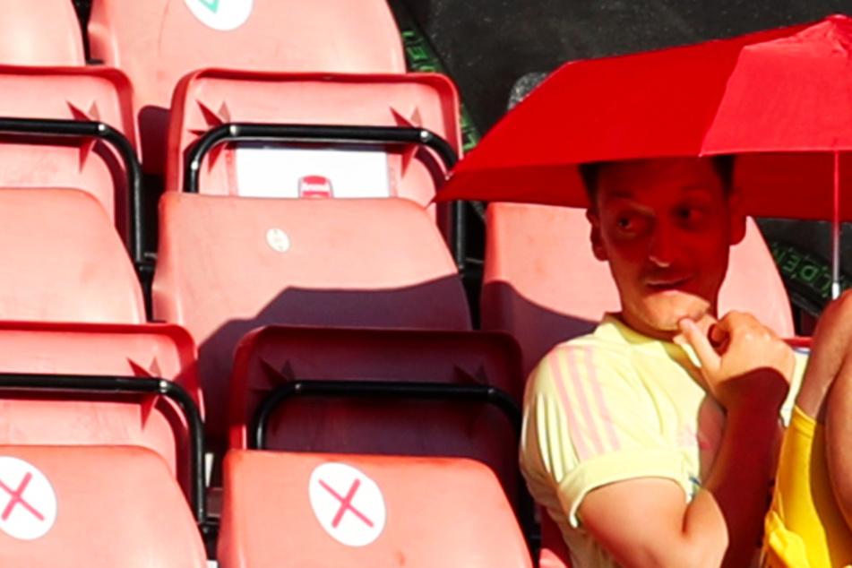 """""""Werdet Özil los!"""" Arsenal-Star wird von eigenen Fans verbal heftig attackiert!"""