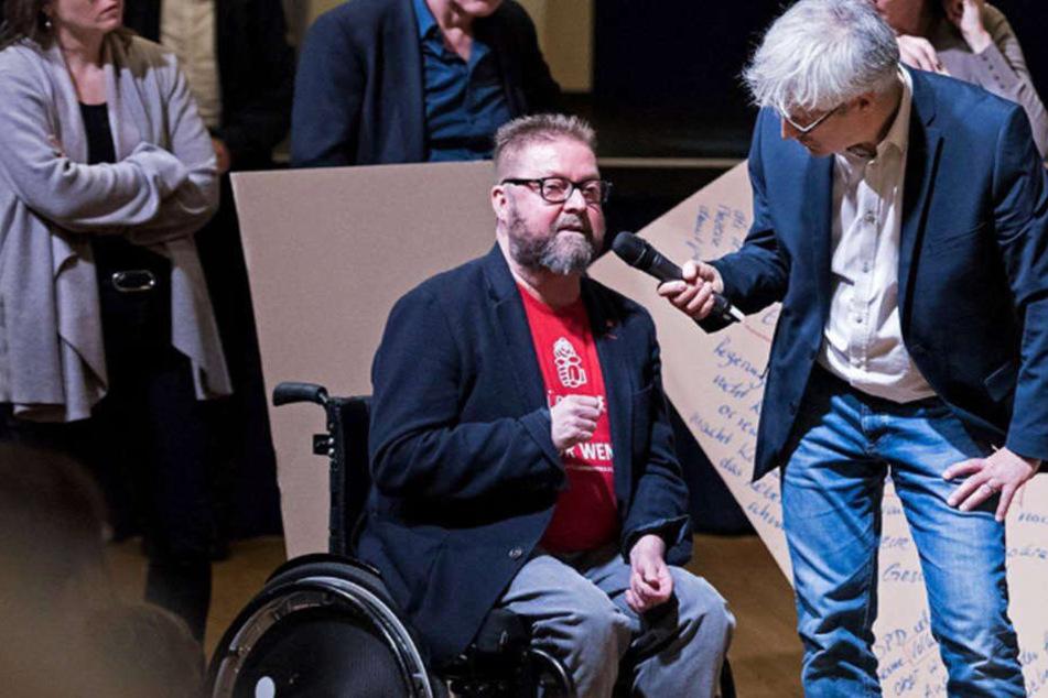 Er will SPD-Chef werden: Rolf Allerdissen (Mitte) tritt am 22. April gegen Andrea Nahles an.
