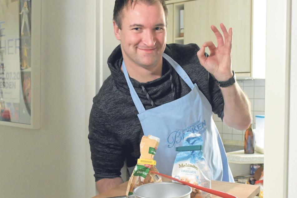 In seiner heimeligen Küche in Gruna entflieht der OP-Assistent gern dem Arbeitsalltag, probiert Rezepte aus.