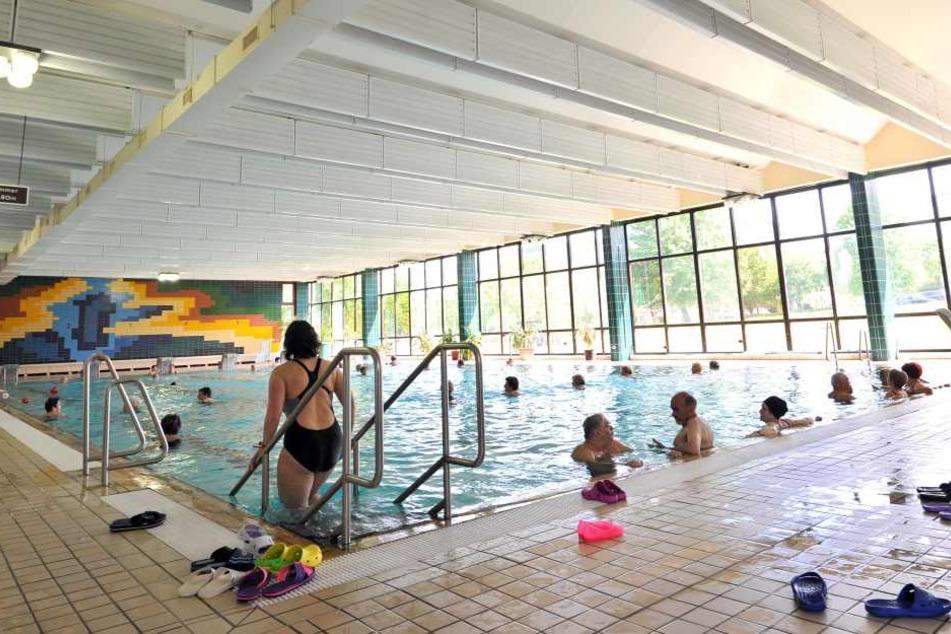 """Planschen kann man in der Schwimmhalle """"Am Südring"""" erst wieder ab Mitte September."""