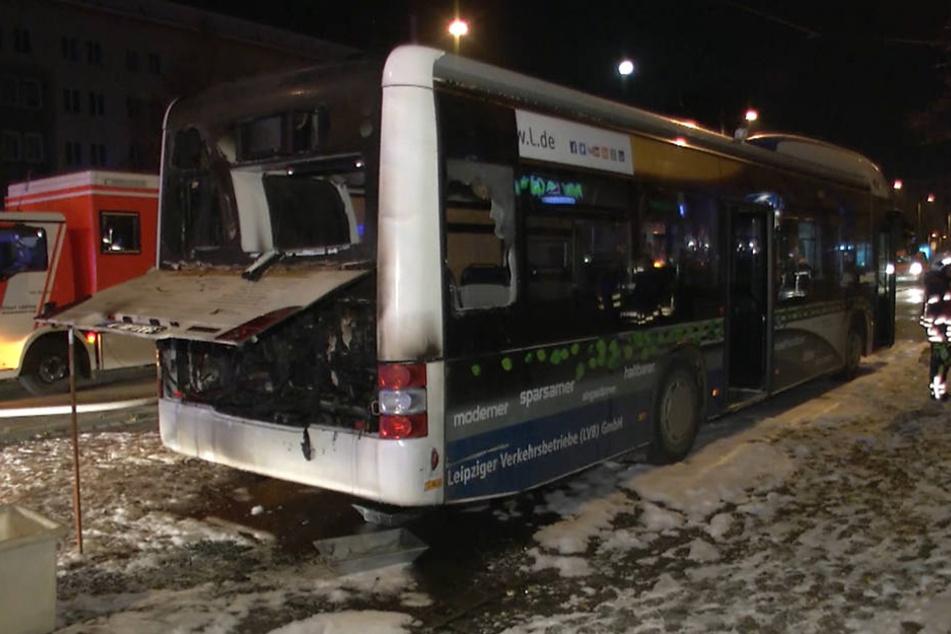Der Bus der Leipziger Verkehrsbetriebe war nicht mehr zu retten.