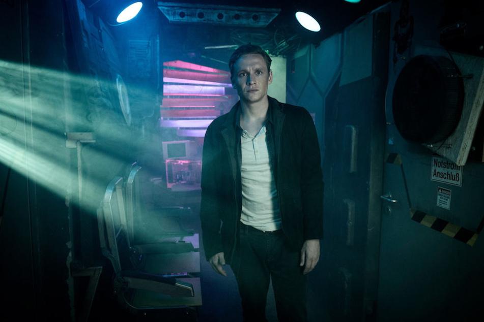 """Multitalent Matthias Schweighöfer (37) spielt nicht nur die Hauptrolle, sondern war auch Regisseur und Produzent von """"You Are Wanted""""."""