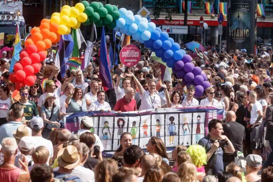 CSD in Hamburg: So viele Teilnehmer wie noch nie!