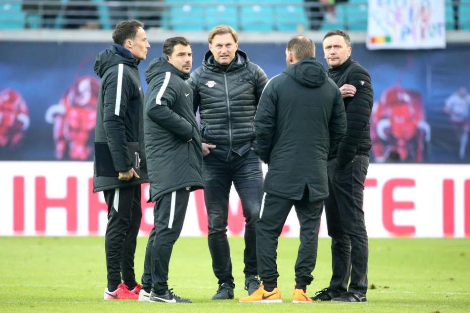 Sportkoordinator Frank Aehlig (49, r.) verabschiedet sich in Richtung Köln.
