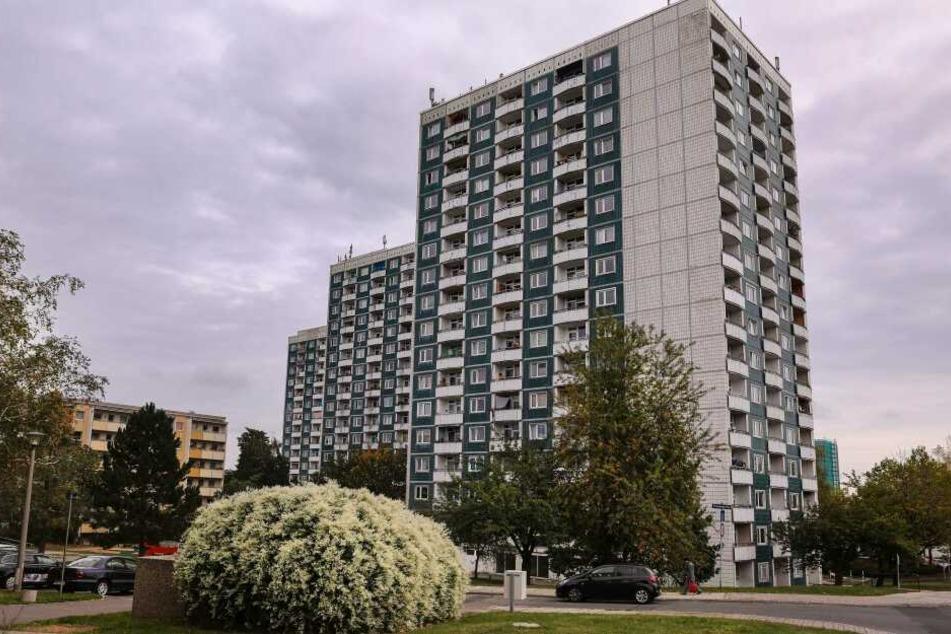 SEK-Einsatz in Gorbitz: Mann läuft mit Pistole in Mehrfamilienhaus