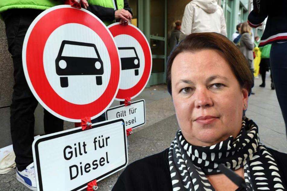 NRW-Ministerin rät Kölner Alt-Diesel-Besitzern: Ruhe bewahren!