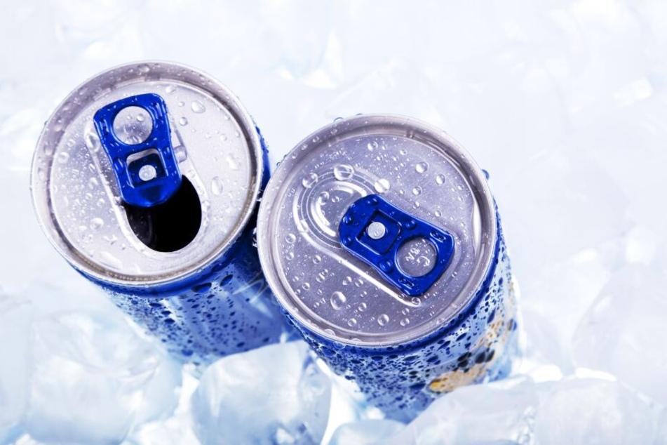 Der Mann konsumierte fünf bis sechs Energy-Drinks am Tag.