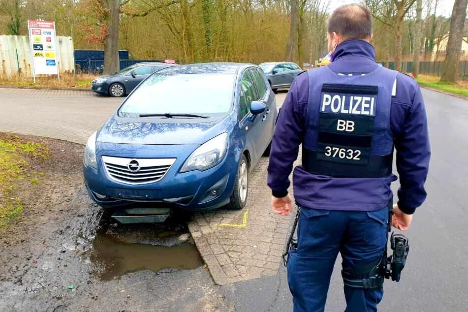 Tödlicher Unfall in Falkensee! Auto erfasst Fußgängerin (†30)