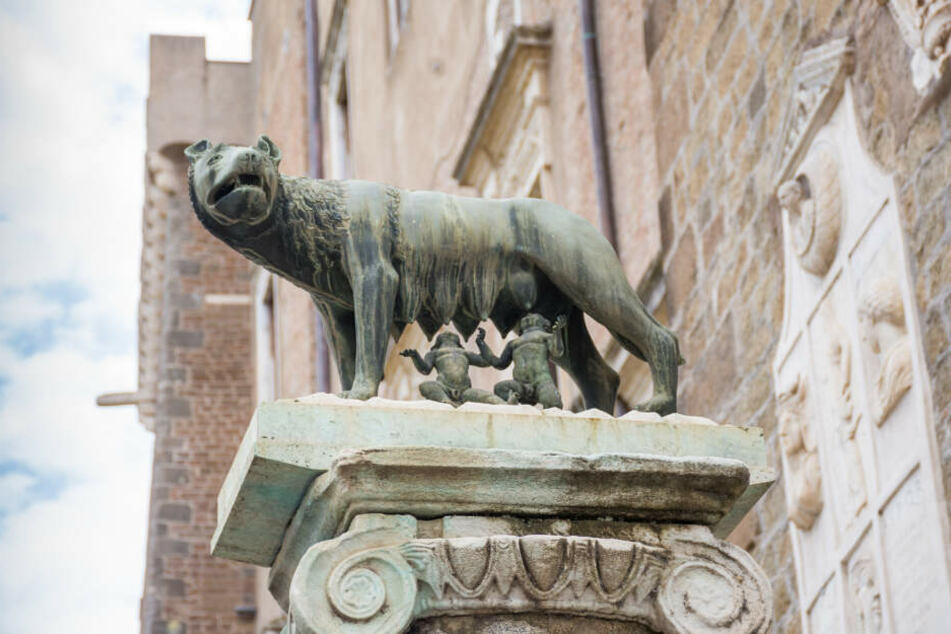 Ein Wahrzeichen Roms: Bronze-Statue der Wölfin mit Romulus und Remus.