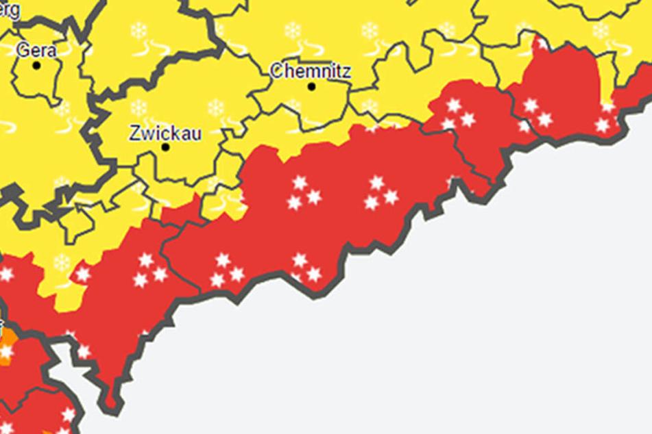 Für mehrere Bereiche in Sachsen gilt Warnstufe Rot.