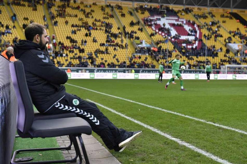 Stefan Ruthenbeck musste am Montag seinen Stuhl in Fürth räumen.