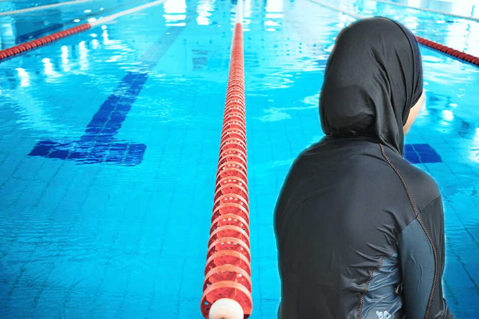 Gymnasium kauft Burkinis für muslimische Schülerinnen