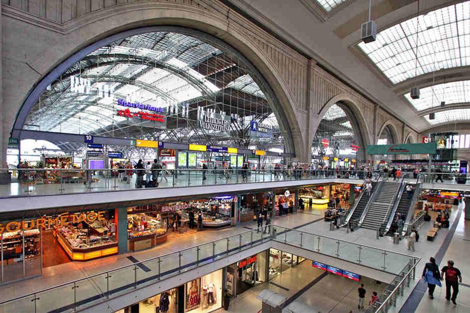 Der Neonazi Kevin D. wurde unter anderem für seinen Messer-Einsatz im Leipziger Hauptbahnhof zu acht Monaten Haft verurteilt.