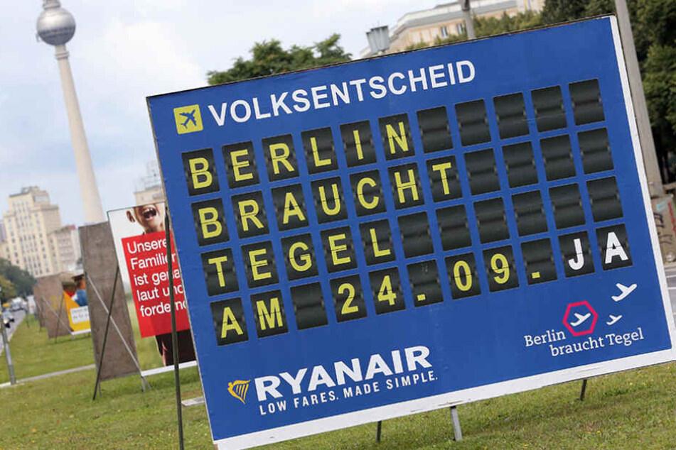 Die Fluggesellschaft Ryanair machte Werbung für den Flughafen.