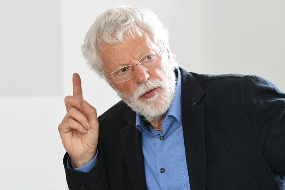 Peter Bartels (72), Chef des Mietervereins Dresden.