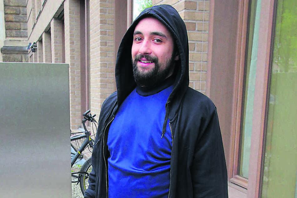 Serieneinbrecher Vladimir Kosec (28) freut sich, wieder in Freiheit zu  sein.