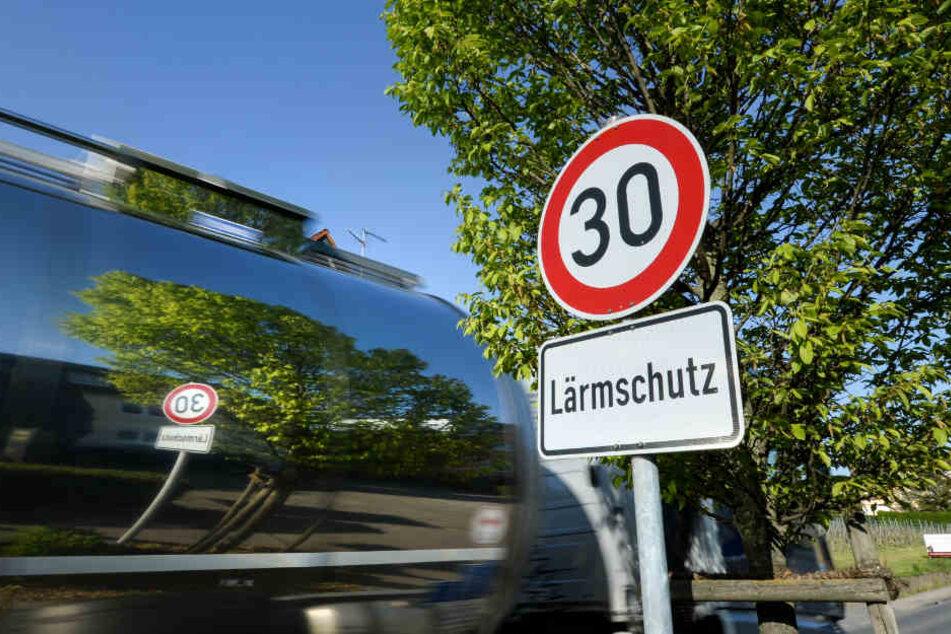 Der Lärmschutzbeauftragte Thomas Marwein fordert auch Tempo-30-Zonen. (Archiv)
