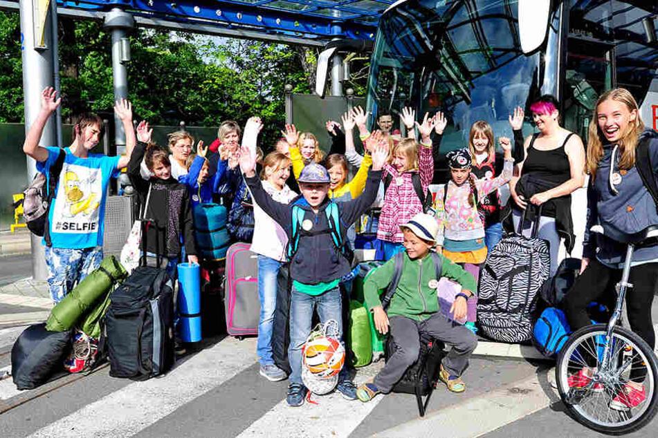 """Die Sommerferien sind gerettet! Für die """"Verreiser"""" gab es jetzt Geld von der Stadt."""
