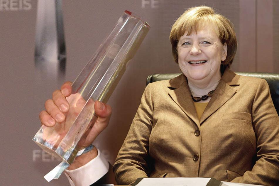 """Der """"Deutsche Fernsehpreis"""" wird am 26. Januar in Köln verliehen. Eine MDR-Doku über Bundeskanzlerin Angela Merkel (63, r.) ist nominiert."""