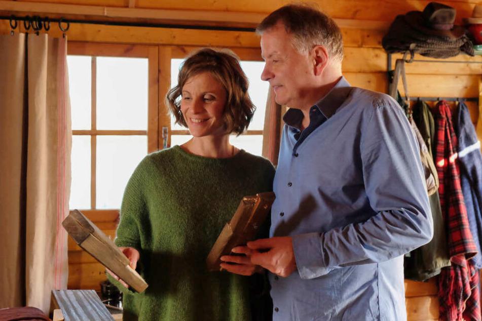 """Julia Jäger ist die """"Neue"""" an der Seite von Thomas Rühmann alias Dr. Heilmann in """"In aller Freundschaft"""" und wird am Freitagabend zu Gast im MDR-Riverboat sein."""