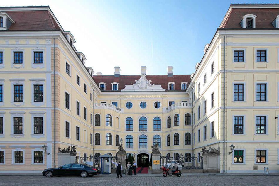 """Das Hotel Kempinski wird """"Zweitwohnsitz"""" für die tollen Couture-Kleider von Carla Beyer."""