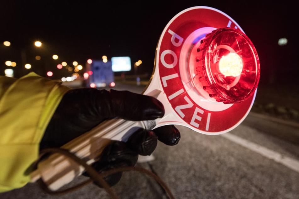 Die Autofahrerin verweigerte den Atem-Alkoholtest und wurde bei der Blutabnahme aggressiv. (Symbolbild)