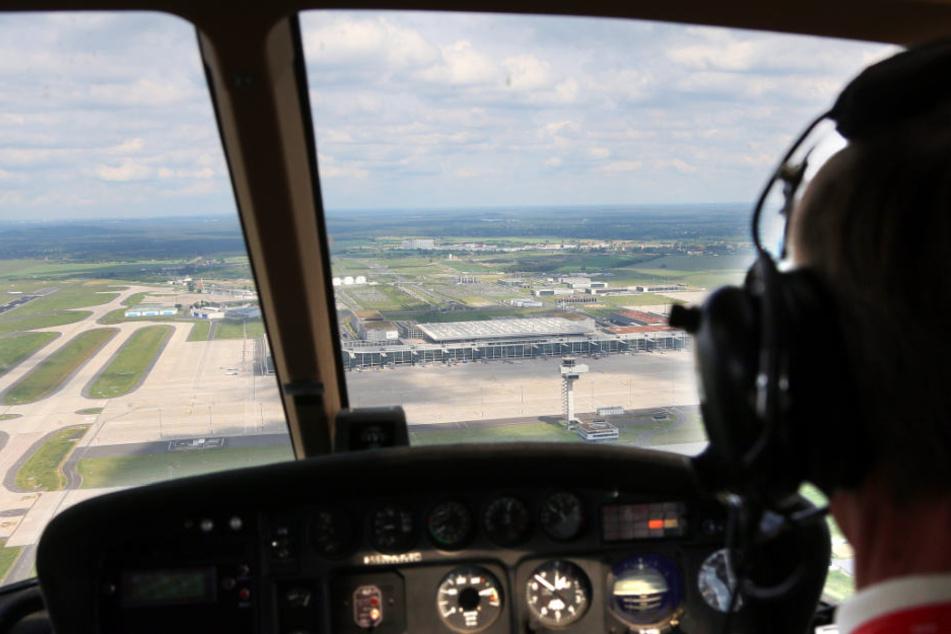 Die Zahl der von Laserpointern geblendeten Piloten nimmt ab. (Symbolbild)