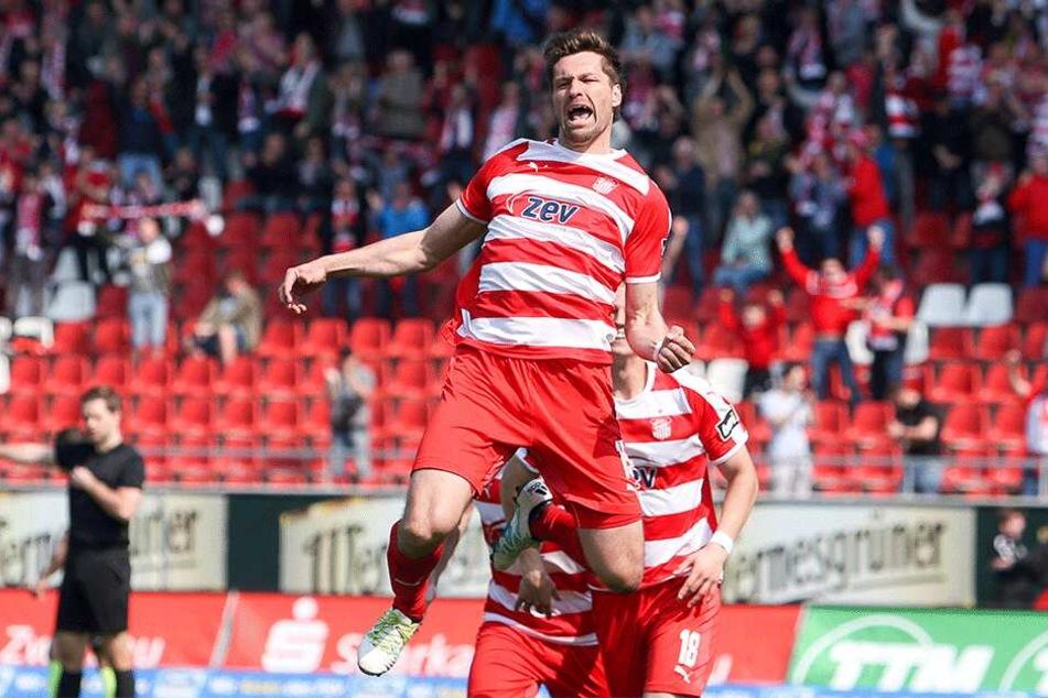 Jubel über ein Tor, ja. Jubel über den Klassenerhalt, nein! FSV-Torjäger Ronny König weiß nur zu gut, was im Fußball alles passieren kann.