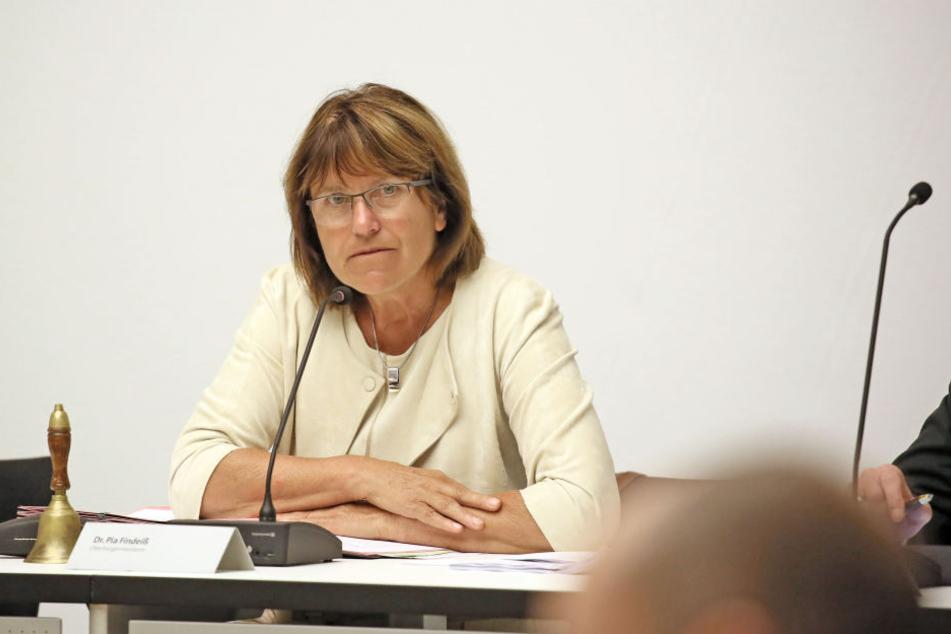 Zwickaus OB Pia Findeiß (61, SPD) fordert die seit 2003 ausstehende Elektrifizierung der kompletten Sachsen-Franken-Magistrale.