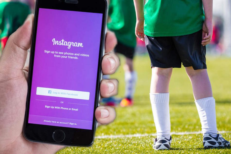Der damals 18-Jährige suchte gezielt nach jungen Fußballern aus den U12- und U13-Jugendendmannschaften und zeigte sich ihnen dann nackt auf Instagram (Symbolbild).