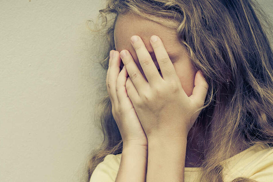Das Mädchen erzählte seiner Mutter von der grausamen Tat, die so ans Licht kam. (Symbolbild)