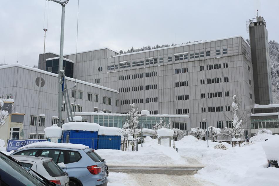 Drei Stockwerke betroffen: Mögliche Corona-Mutation in bayerischer Klinik entdeckt