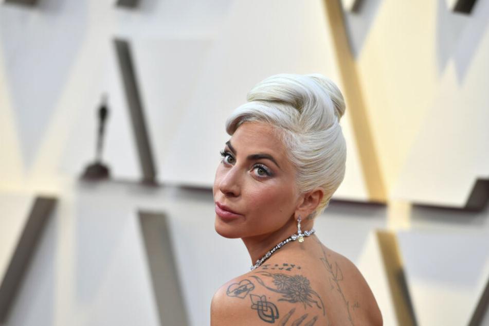 Seit gestern Abend offiziell: Gaga und Polansky sind ein Paar!
