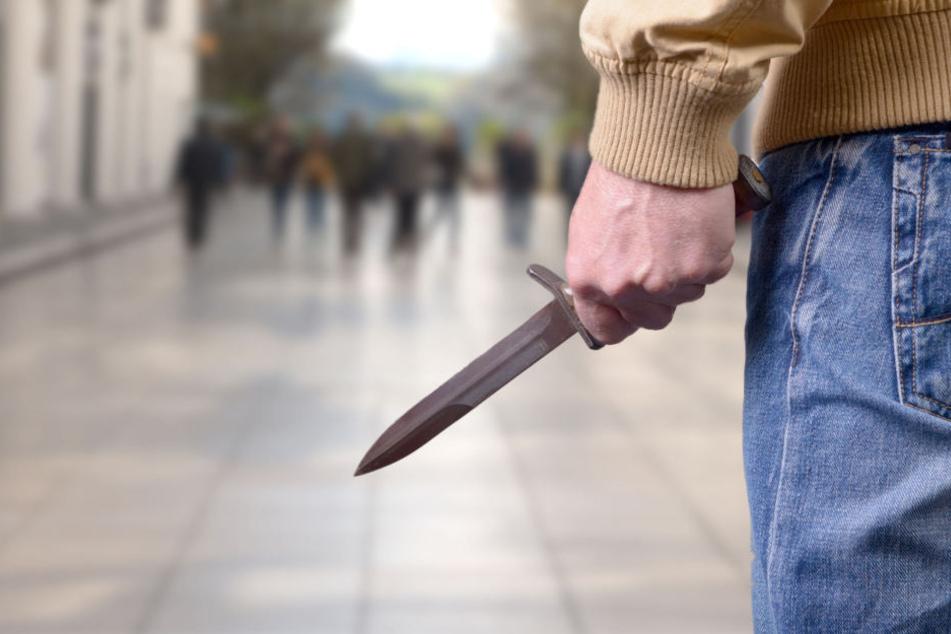 Bluttat in der Innenstadt: Syrer geht mit Messer auf Passant los