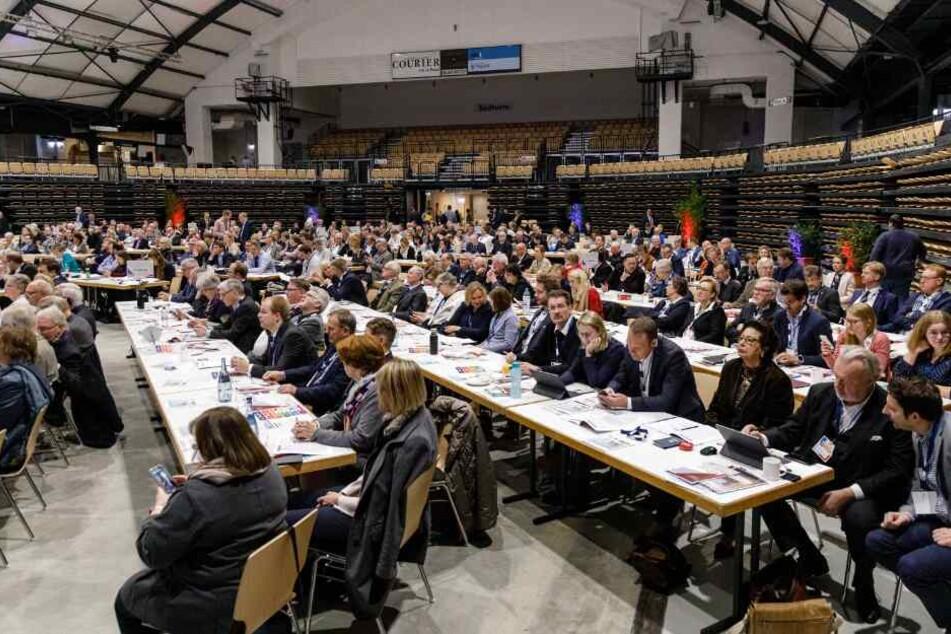 Delegierte der CDU sind zu einem Landesparteitag mit dem Schwerpunktthema Pflege zusammengekommen.