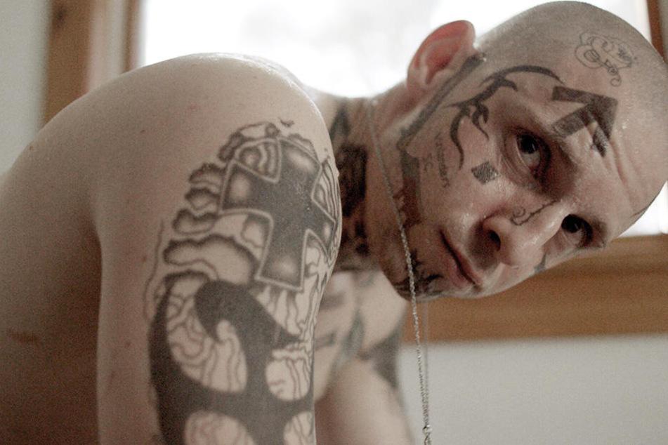 Bryon Widner (Jamie Bell) will aus der Neonazi-Szene aussteigen, was seine Familie aber nicht akzeptieren will.